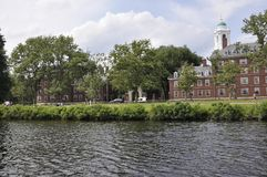 Cambridge, le 30 juin : Panorama de ville de Cambridge de Charles River dans l'état de Massachusettes des Etats-Unis Image stock