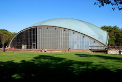 Cambridge, mA : Salle de Kresge à M.I.T. Photos libres de droits