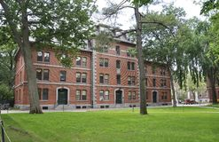 Cambridge MOR, 30th juni: Harvard Thayer Hall i den Harvard universitetsområdet från den Cambridge Massachusettes staten av USA Arkivbild