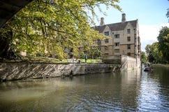 cambridge university Widok od rzeczny krzywka obraz stock