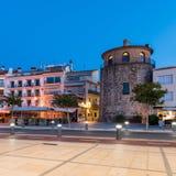 CAMBRILS, ESPANHA - 16 DE SETEMBRO DE 2017: Ria de Cambrils - Torre del Porto do ` de Hist do ` de Museu d Copie o espaço para o  Fotografia de Stock