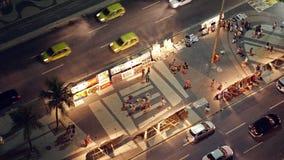 Cambusa della pittura della via alla spiaggia vicina di Copacabana di notte Fotografia Stock Libera da Diritti
