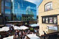 Camden kędziorka targowy teren w Londyn Zdjęcia Royalty Free