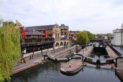 Camden Lock - canale reggente del ` s - Londra - Regno Unito fotografia stock libera da diritti