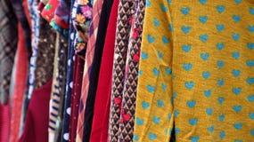 Camden Town-Liebe in der Kleidung Lizenzfreies Stockfoto