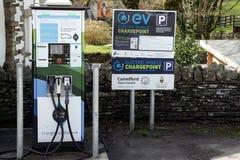 Camelford, les Cornouailles, R-U - 10 avril 2018 : Un véhicule électrique Cha Photographie stock libre de droits