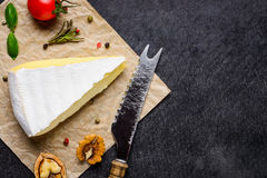 Camembert μαλακό τυρί με το διάστημα αντιγράφων Στοκ Εικόνα