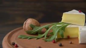 Camembert con arugula metrajes