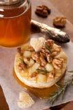 Camembert cotto Fotografia Stock Libera da Diritti