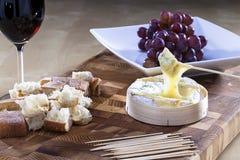 Camembert cozido Fotos de Stock