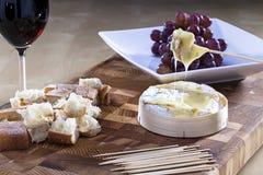 Camembert cuit au four photo stock