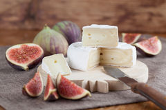Camembert and figs Royalty Free Stock Photos