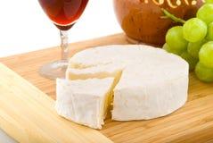 Camembert français images stock