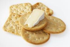 Camembert krakers i ser Zdjęcie Stock
