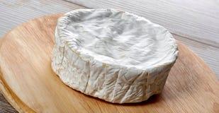 Camembertkäse traditionelle Normandie-Franzosen, Milchprodukt Lizenzfreie Stockbilder