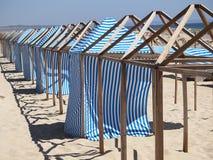 Camera cambiante del panno della spiaggia fotografie stock