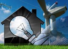 Camera con il generatore eolico del pannello solare e la linea elettrica Immagini Stock Libere da Diritti