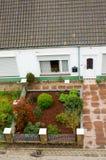 Camera con il giardino Fotografia Stock