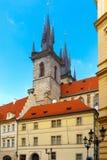 Camera con una torre sul quadrato di Città Vecchia, ceco Immagine Stock