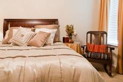 Camera da letto accogliente Fotografia Stock Libera da Diritti