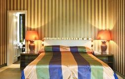 Camera da letto comoda Fotografia Stock