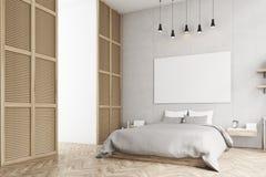 Camera da letto con il manifesto e una finestra in una parete beige Fotografia Stock