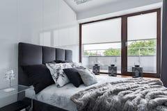 Camera da letto con la doppia base fotografia stock libera da diritti