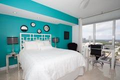 Camera da letto del Highrise Fotografia Stock