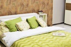 Camera da letto dell'hotel Fotografie Stock Libere da Diritti