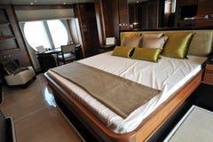 Camera da letto dell'yacht Fotografia Stock Libera da Diritti