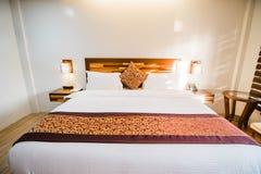 Camera da letto della villa immagini stock libere da diritti