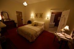 Camera da letto di formato del re del paese B&B Fotografie Stock Libere da Diritti
