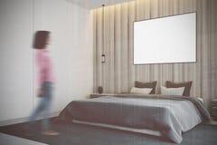 Camera da letto di legno, sfuocatura del lato del manifesto Fotografia Stock Libera da Diritti