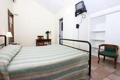 Camera da letto elegante Immagini Stock Libere da Diritti