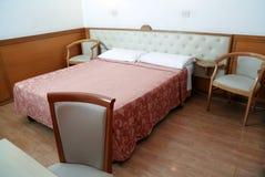 Camera da letto elegante Immagini Stock
