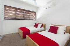 Camera da letto gemellare Immagine Stock