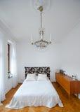 Camera da letto luminosa Fotografia Stock