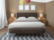Camera da letto luminosa di lusso nel sottotetto Fotografia Stock