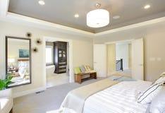 Camera da letto lussuosa Fotografia Stock