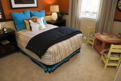 Camera da letto moderna dei bambini. Fotografie Stock