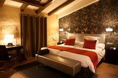 Camera da letto moderna della mansarda Fotografia Stock Libera da Diritti