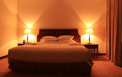 Camera da letto moderna di lusso di stile Immagine Stock