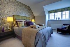 Camera da letto moderna opulenta Fotografia Stock