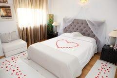 Camera da letto nuziale immagine stock libera da diritti