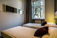Camera da letto per una coppia di amici Immagini Stock