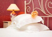 Camera da letto romantica Fotografia Stock