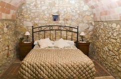Camera da letto rustica Fotografia Stock Libera da Diritti