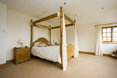 Camera da letto spaziosa Immagini Stock