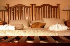 Camera da letto in un hotel Immagini Stock Libere da Diritti