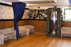 Camera da letto in una proprietà privata Immagini Stock